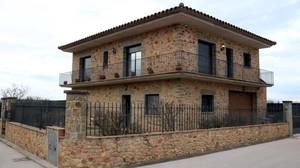 Casa de Ventalló donde se produjo la agresión y secuestro de una cuidadora.
