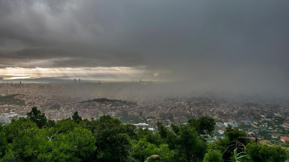 Tempestes intenses al litoral català aquest dimarts