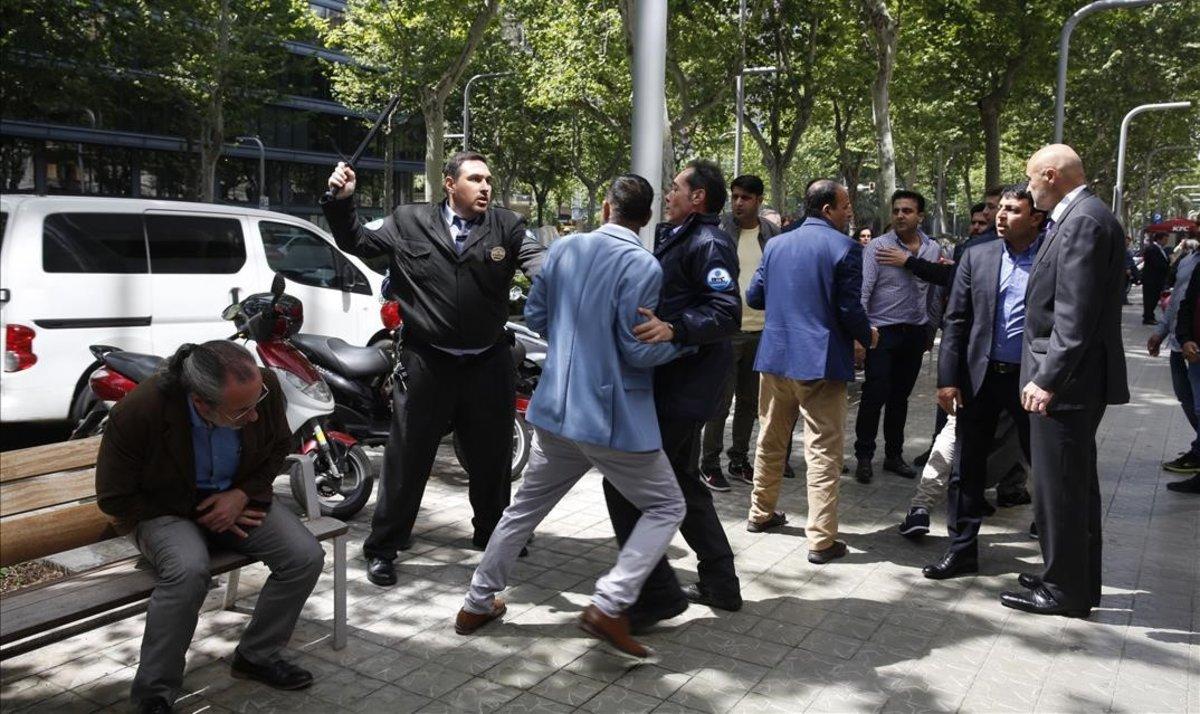 Tensión y peleas en las elecciones a la Cambra de Comerç de Barcelona