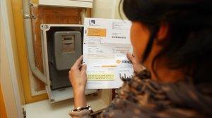 Endesa mostra el seu «compromís ferm» per pactar el pagament del deute per pobresa energètica