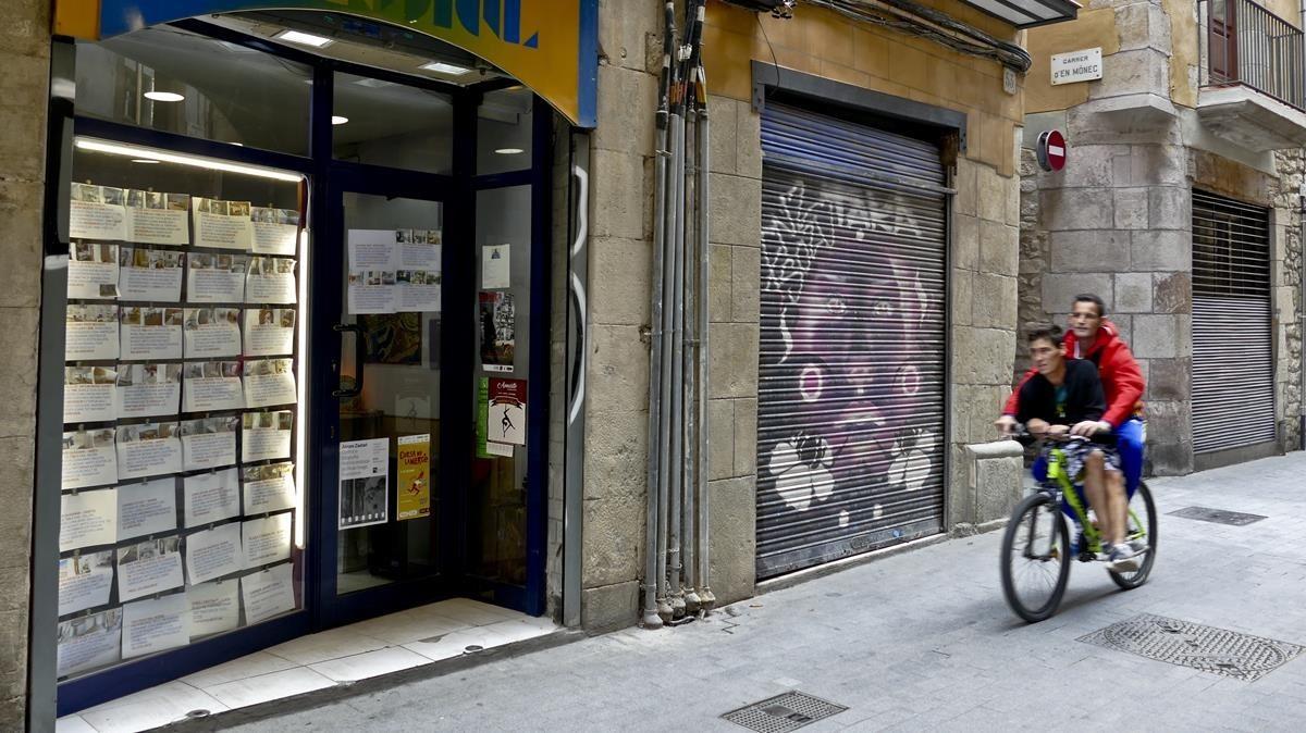 Los ltimos pisos de menos de 800 euros al mes en barcelona for Piso 80000 euros barcelona