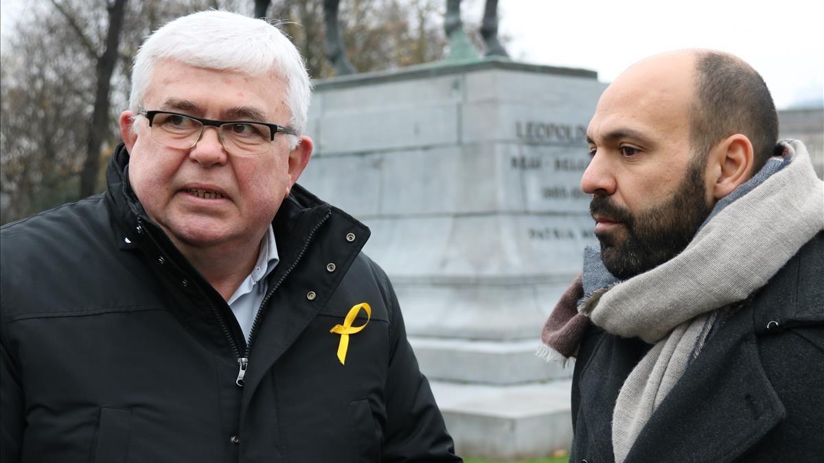 Agustí Alcoberro y Marcel Mauri esta mañana en Bruselas.