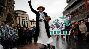 zentauroepp41907360 councillor elaine pantling dressed as suffragette alice haw180206094134