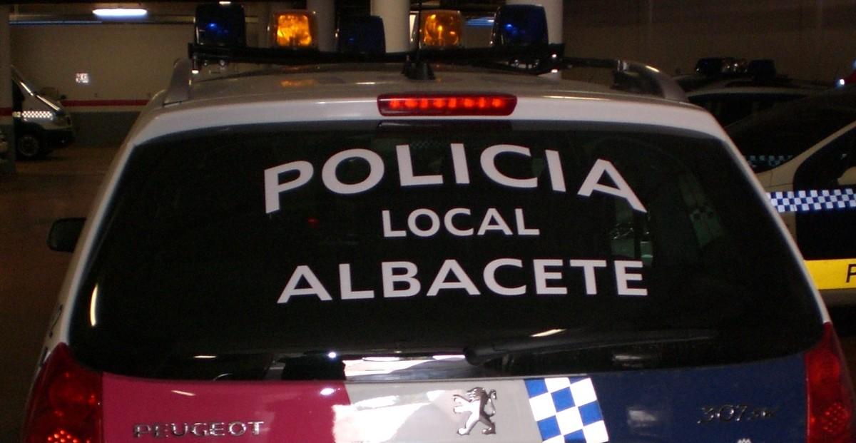 Imagen de recurso un coche de la Policía Local de Albacete