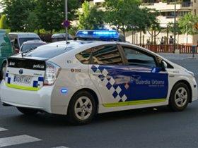 Mor un motorista al xocar contra un cotxe aparcat a Barcelona