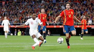 España se derrumba ante Inglaterra (2-3)