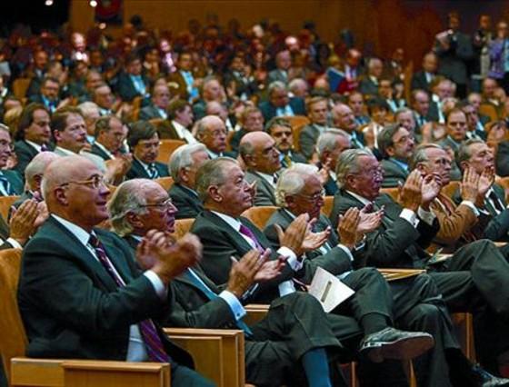 Reunión en el IESE en defensa de El Prat, en marzo del 2007.