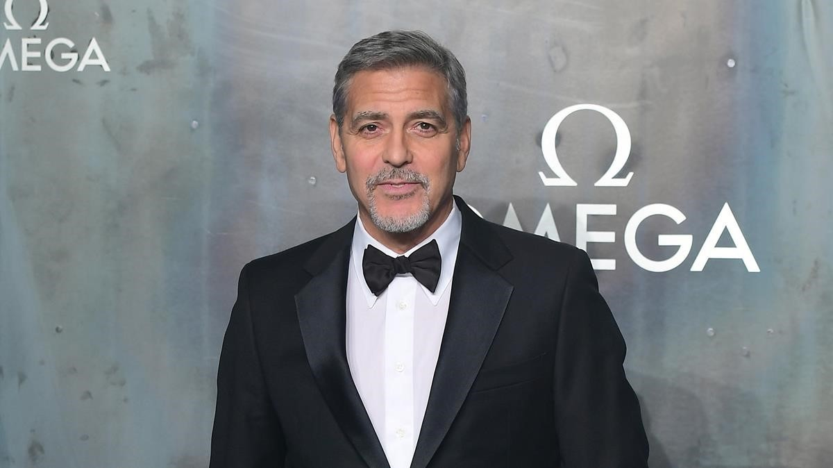 George Clooney sufre accidente de moto en Italia (Fotos)