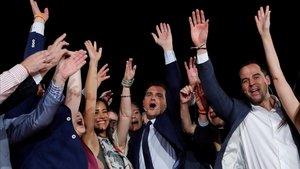 Albert Rivera, junto a Ignacio Aguado y Begoña Villacís, entre otros dirigentes de Cs, este viernes, en el acto previo a la reunión del consejo general del partido.