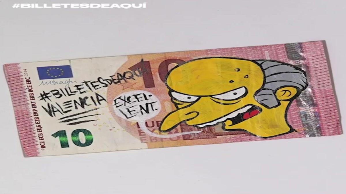 Algunos de los billetes garabateados por la causa.