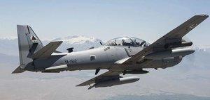 Avión de combate de la fuerza afgana.