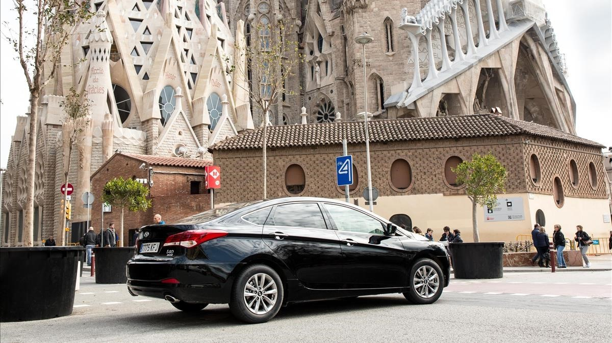 Un coche de Uber en Barcelona.