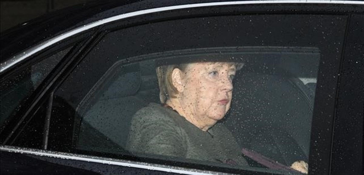 La cancillera alemana, Angela Merkel, a su llegada a las conversaciones entre los conservadores y los socialdemócratas.