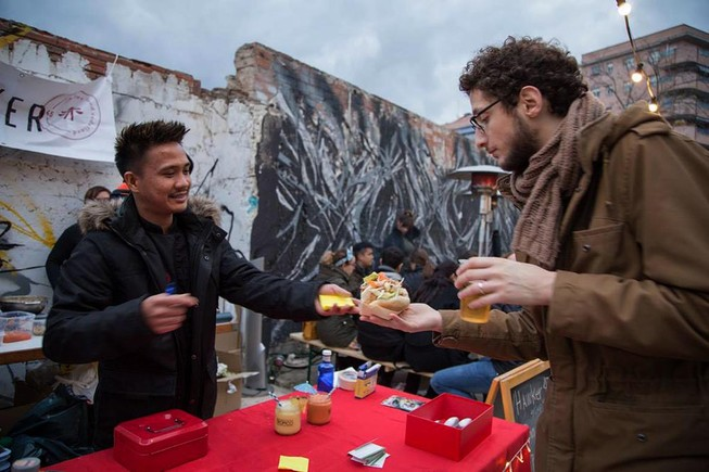 Tres cites imprescindibles de 'street food' a Barcelona
