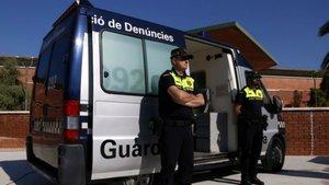 Detingut per haver pegat a la seva dona i la seva cunyada en ple carrer