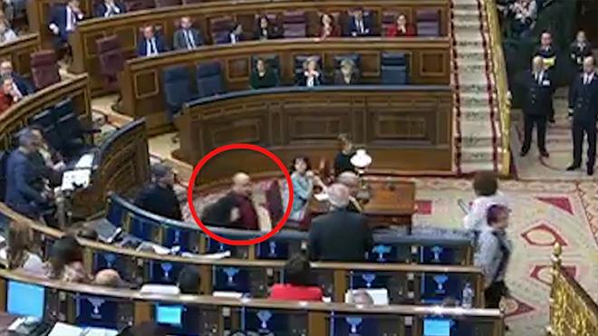 ¿Realmente ha habido un escupitajo de un diputado de ERC a Josep Borrell?