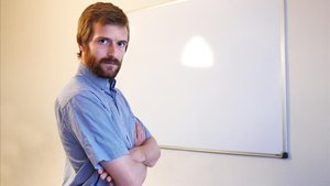 Guillem Martínez: «Tracto de treure capes a la ceba del dret»