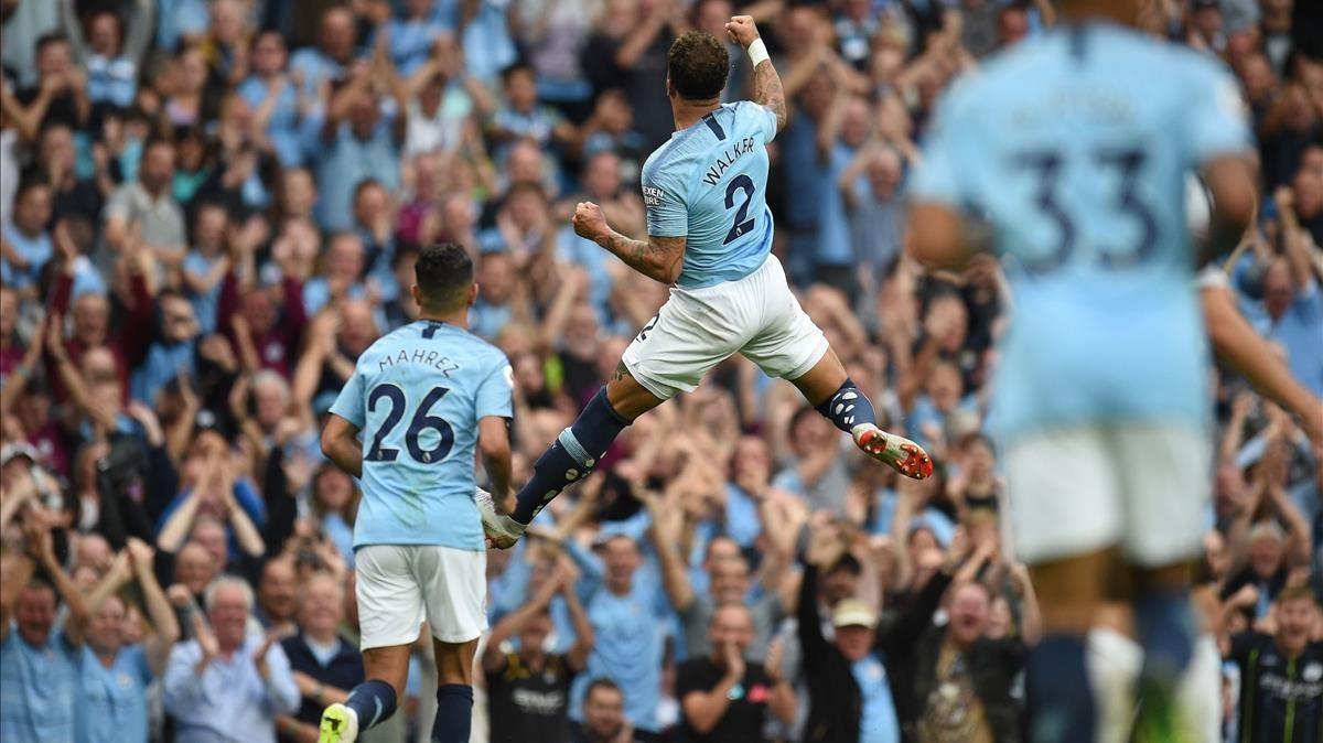 Kyle Walker celebra el segundo gol del Manchester City.