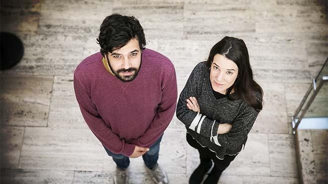 Lara Costafreda y Ruben Wagensberg de la campaña por la emigración Casa nostra, casa vostra