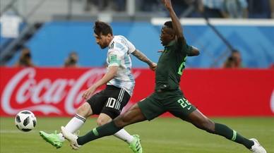 La Argentina de Messi se salva con un gol milagroso de Rojo ante Nigeria