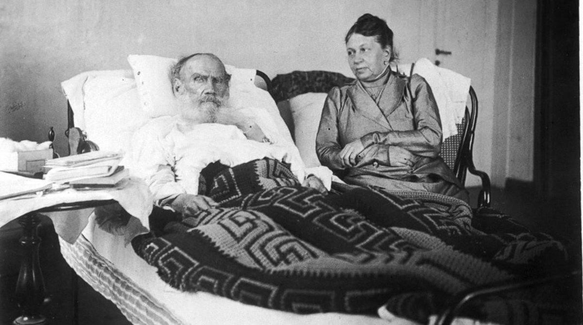 Leon Tosltoi y su esposa Sofia Tostaia