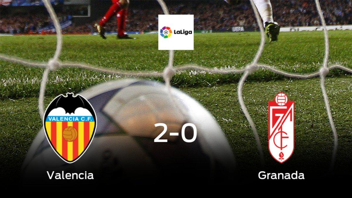 Los tres puntos se quedan en casa tras el triunfo del Valencia frente al Granada (2-0)