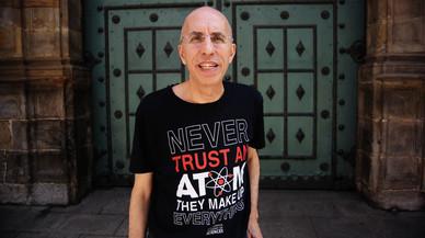 Luis Alfonso Gámez: «La medicina alternativa ni cura ni existeix»