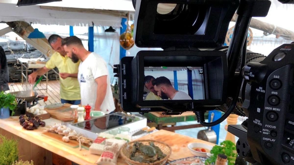 Marc Ribas, el chef presentador de 'Cuines', durante la grabación del programa.