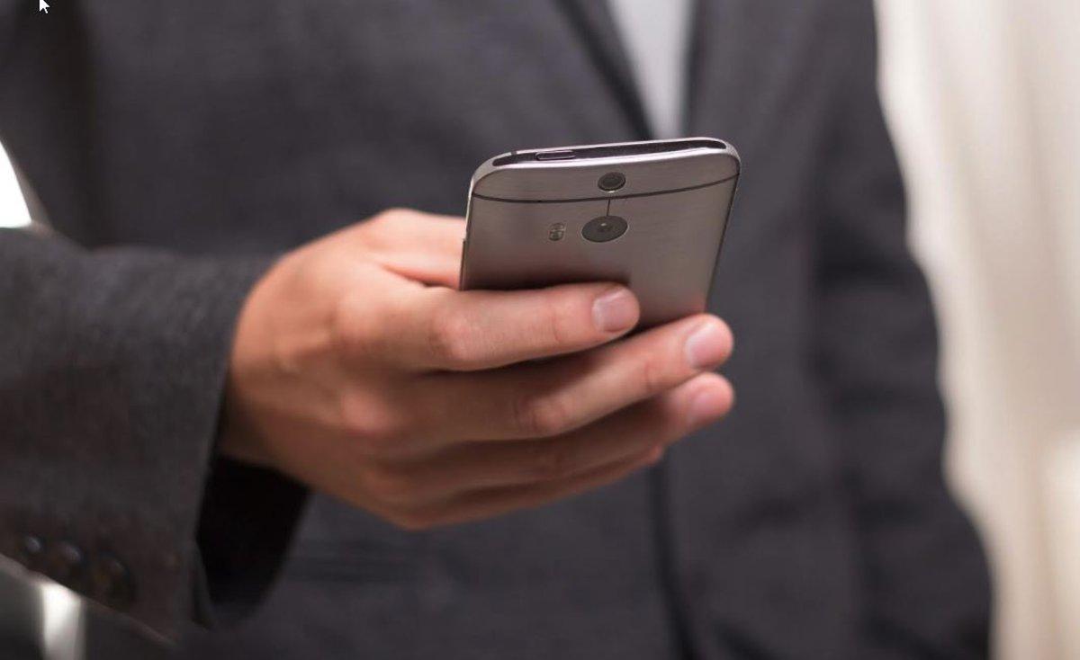 Siri, Alexa, Cortana... Piden acabar con las voces femeninas en los asistentes virtuales