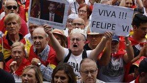 Participantes en la manifestación Espanya i Catalans celebrada en Barcelona.