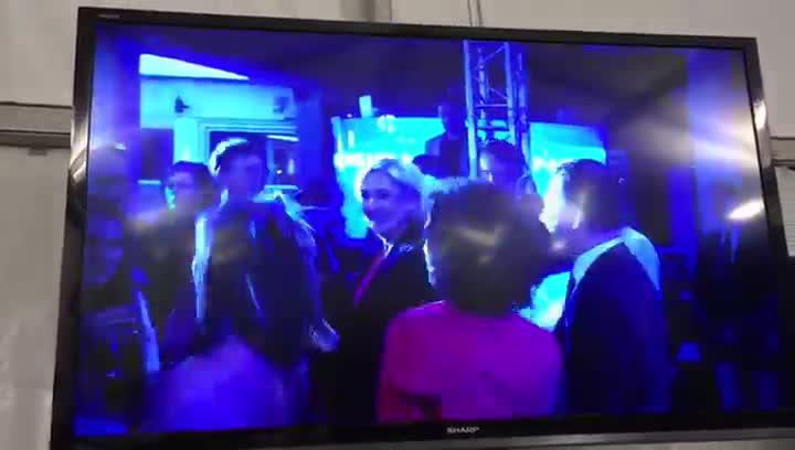 Así baila Marine Le Pen pese a la derrota.