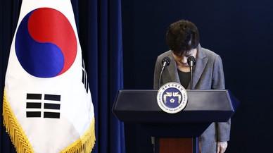 La presidenta surcoreana ofrece al fin su dimisión por el escándalo de la 'rasputina'