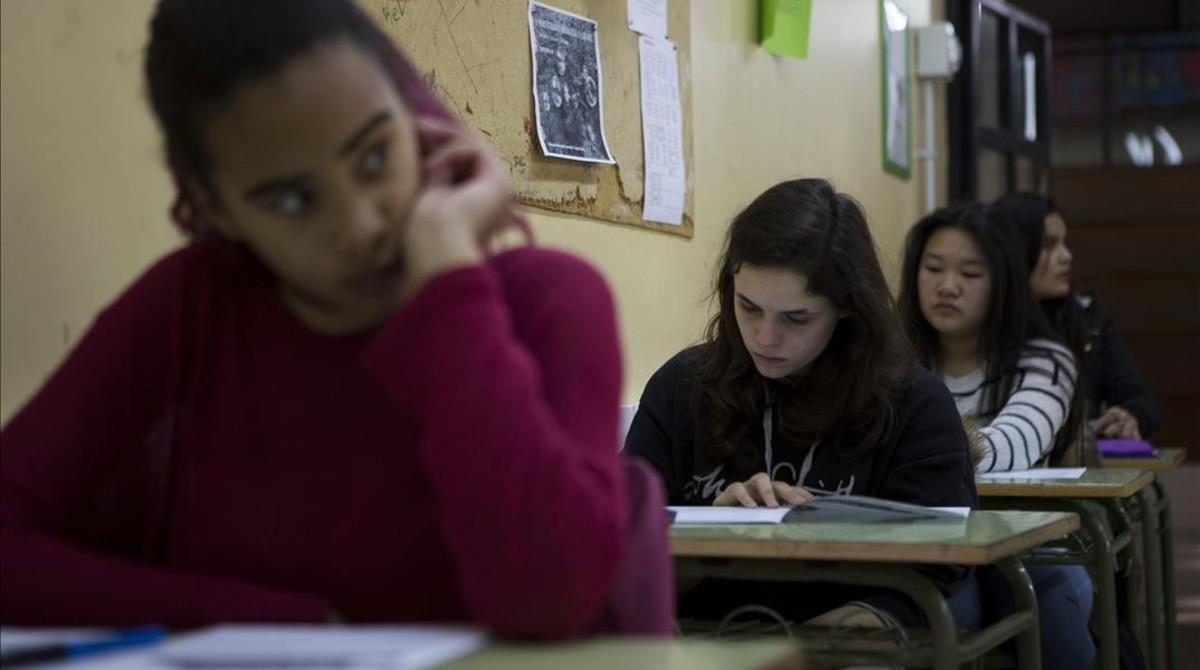 Pruebas de cuarto de la ESO en el Institut Luis Vives, el pasado febrero.