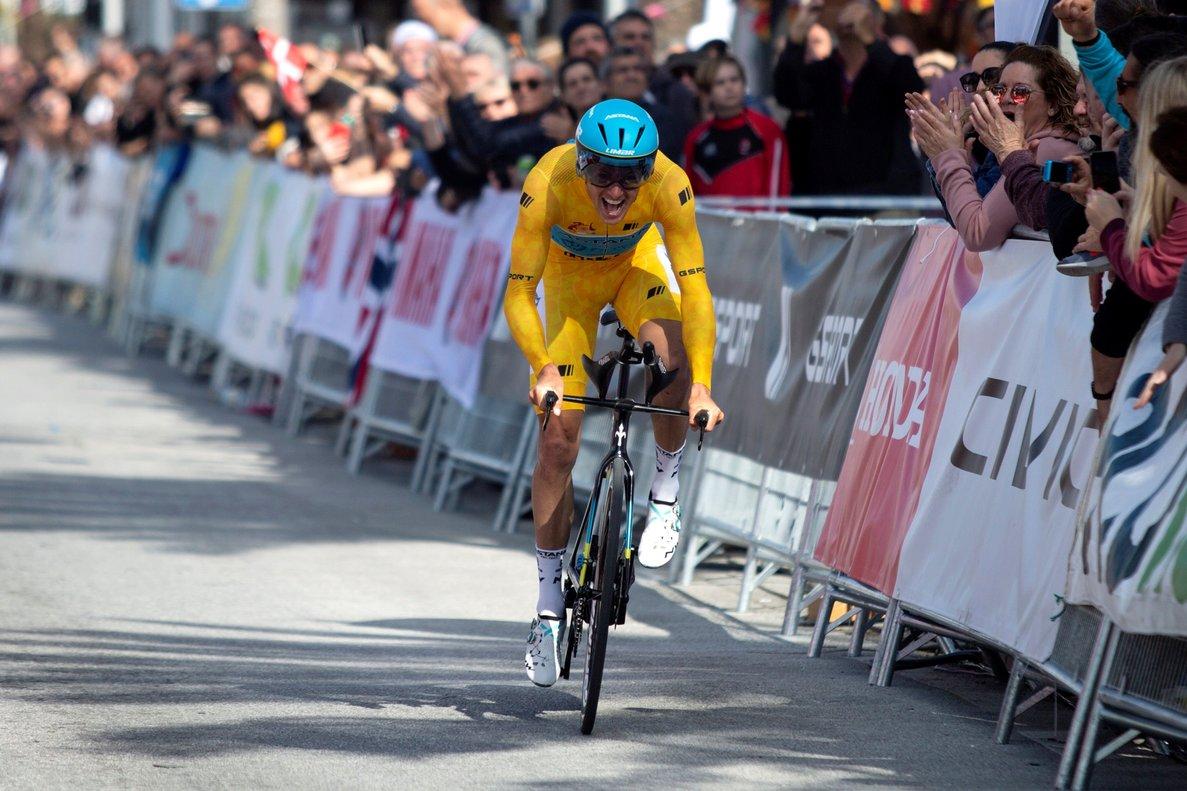 GRAF5262. MIJAS (MÁLAGA) 23/02/2020.- El ciclista danés Jakob Fuglsang, del grupo deportivo Astana, finaliza la quinta etapa de la 66ª Vuelta a Andalucía, ruta ciclista del Sol, correspondiente a la contrarreloj individual que consta de 13 kilómetros en Mijas, Málaga. EFE/Daniel Pérez