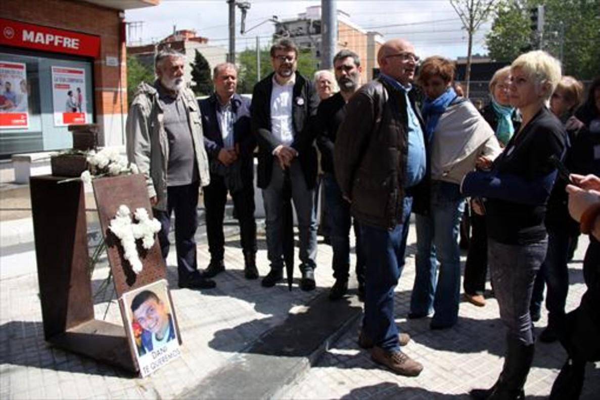 Homenaje a las víctimasatropelladas por el tren en Montcada.