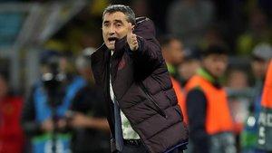 Valverde gesticula en el partido de este martes.