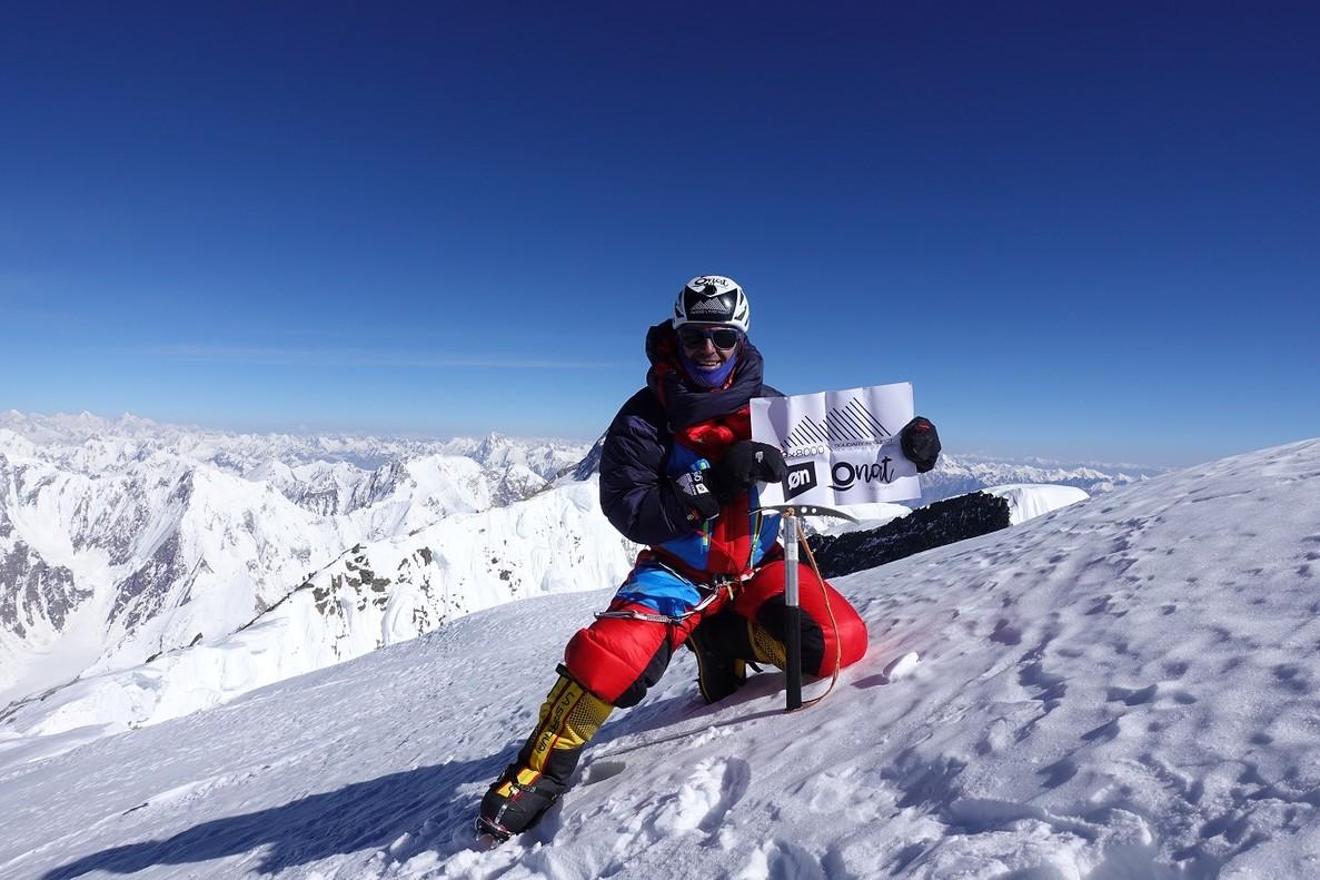 Sergi Mingote en la cima del Broad Peak, a 8.047 metros