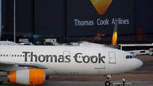Un avión de Thomas Cook en el aeropuerto de Manchester, este 23 de septiembre