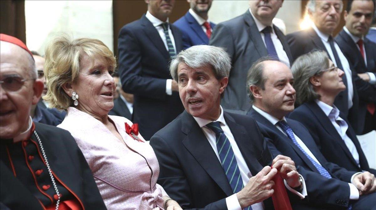La expresidenta de la Comunidad de MadridEsperanza Aguirrejunto al expresidente Ángel Garrido