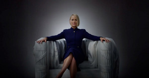 La actriz Robin Wright, interpretando el papel de Claire Underwood en 'House of Cards'