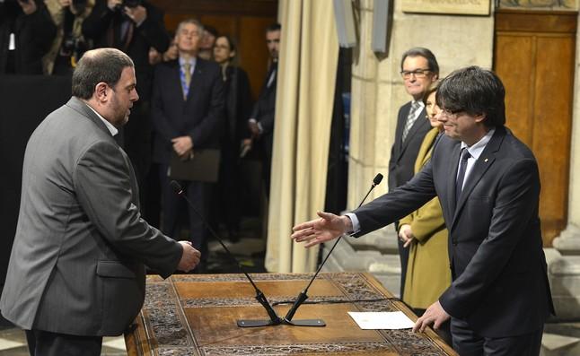 El vicepresidente de la Generalitat, Oriol Junqueras, toma posesión de su cargo, este jueves en el Palau.