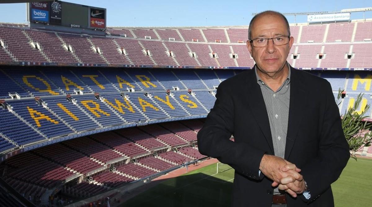 El vicepresidente Manel Arroyo posa en una de las tribunas del Camp Nou