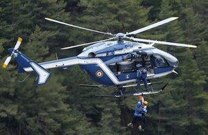 Un helicoptero de los servicios de rescate.