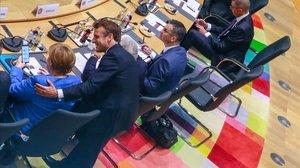 Merkel, Macron i Conte demanen recaptar 7.500 milions per combatre el virus