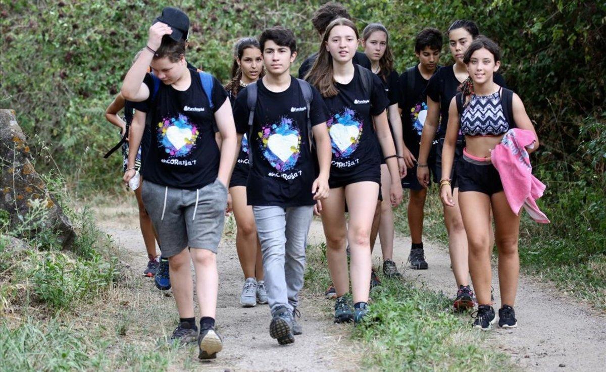 Los jóvenes han conbiunado el aprendizaje con la convivencia y el contacto con la naturaleza.