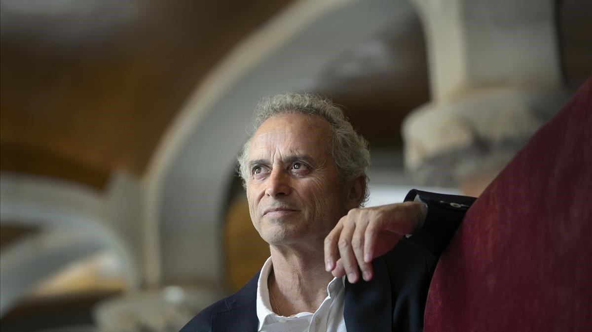 Ildefonso Falcones: «Cada tecleig és una punxada»