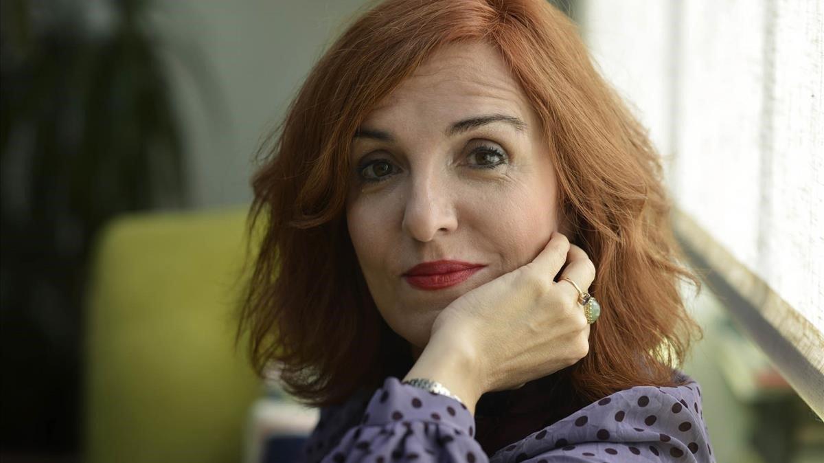 Elvira Lindo: «El meu pare era un huracà i la meva mare, una brisa»