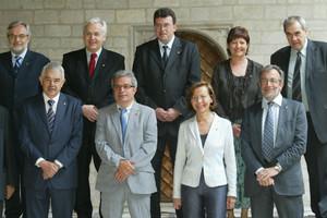 Ferran Mascarell y Ernest Maragall, junto al 'president'Pasqual Maragall, en la foto del Govern en la Generalitat en el 2006.