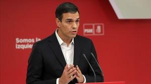 Pedro Sánchez valora el 1-O en la sede del PSOE.