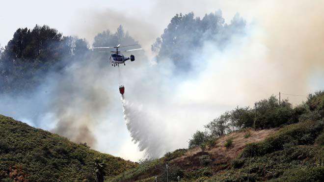 Labores de extinción del incendio desatado en Gran Canaria el sábado 17 de agosto del 2019